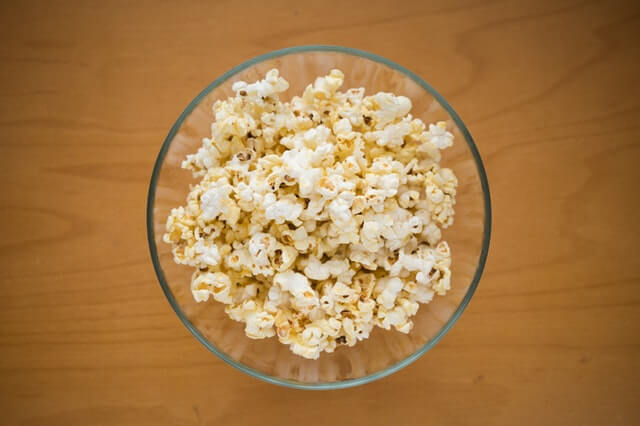 bowl popcorn foods can help quit smoking